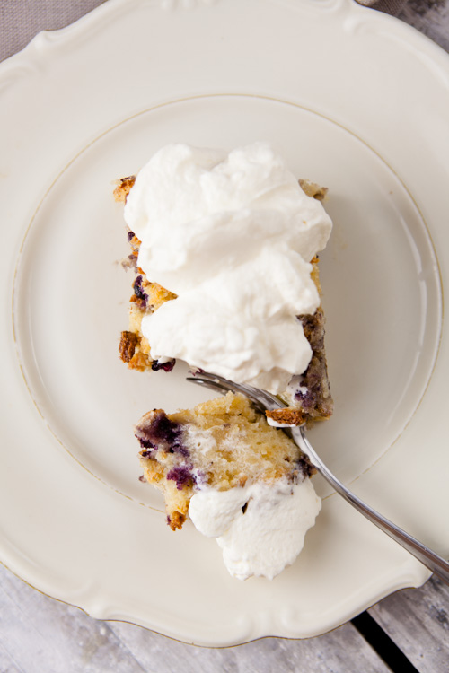 Blueberry Bread Pudding mit Chantilly Maple Cream - www.kuechenchaotin.de