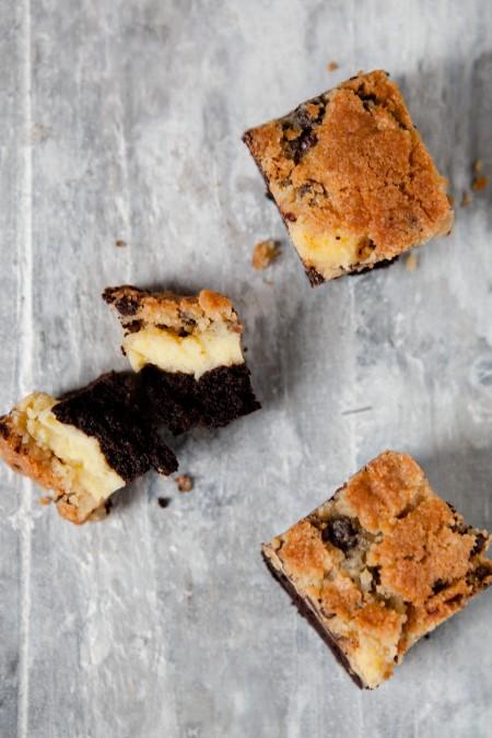 Brownie-Cheesecake mit Kekskruste - www.kuechenchaotin.de
