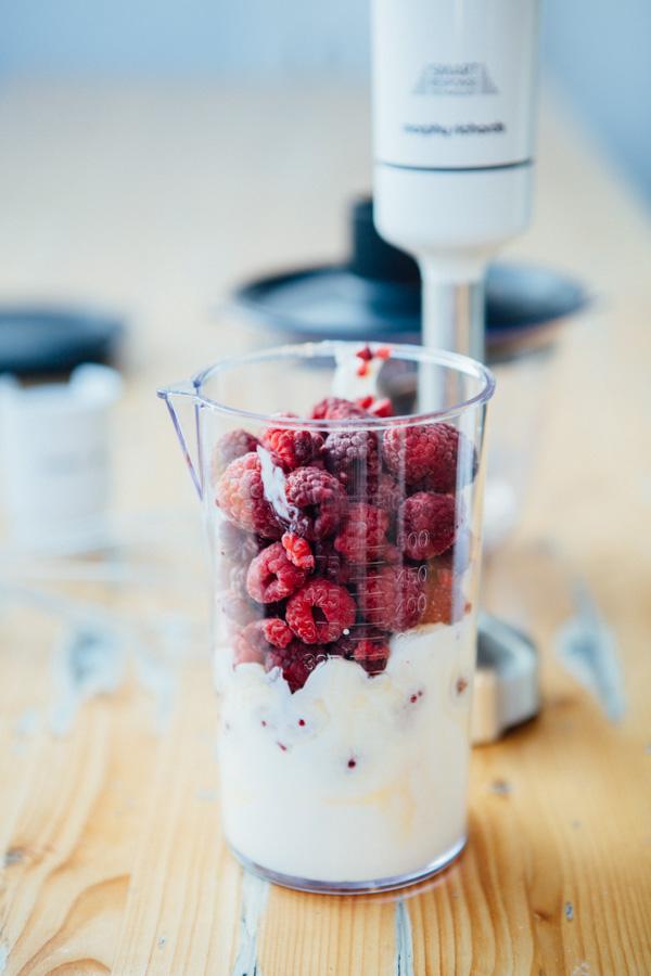 Himbeer Frozen Yogurt - www.kuechenchaotin.de