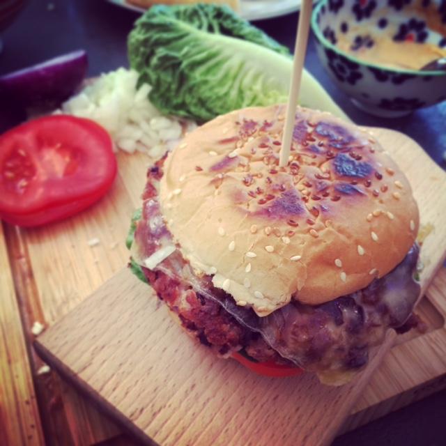 Vegetarischer Bohnen-Burger - www.kuechenchaotin.de