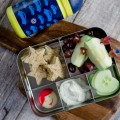 Long car trips are boring for kids. Why not make a fun and healthy bento box to keep them busy? Find all the ideas here!