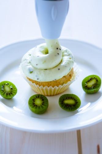 Nergi - Baby-Kiwis - Baby-Kiwi-Vanille-Cupcakes - kuechenchaotin.de