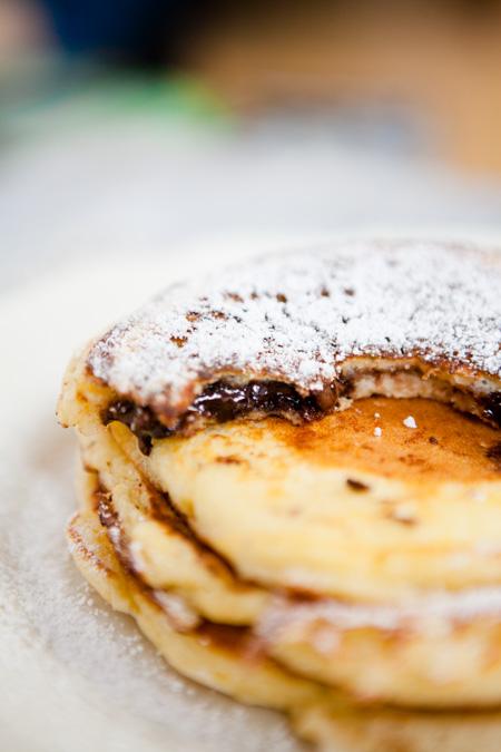 Pancakes mit Schokoladencreme-Füllung - http://kuechenchaotin.de