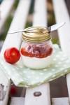 Sahnejoghurt mit Tomatenkompott