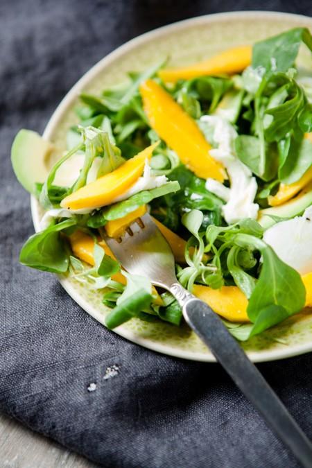 Salat mit Mango, Avocado und Büffelmozzarella - www.kuechenchaotin.de
