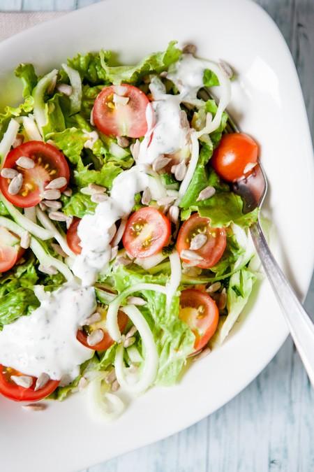 Schneller Salat mit Zucchini - http://kuechenchaotin.de