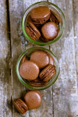 Schokoladen-Macarons mit Schoko-Orangen-Creme - www.kuechenchaotin.de