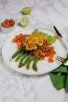 Spargel mit Tomaten-Salsa und paniertem Ei - es muss nicht immer Hollandaise sein