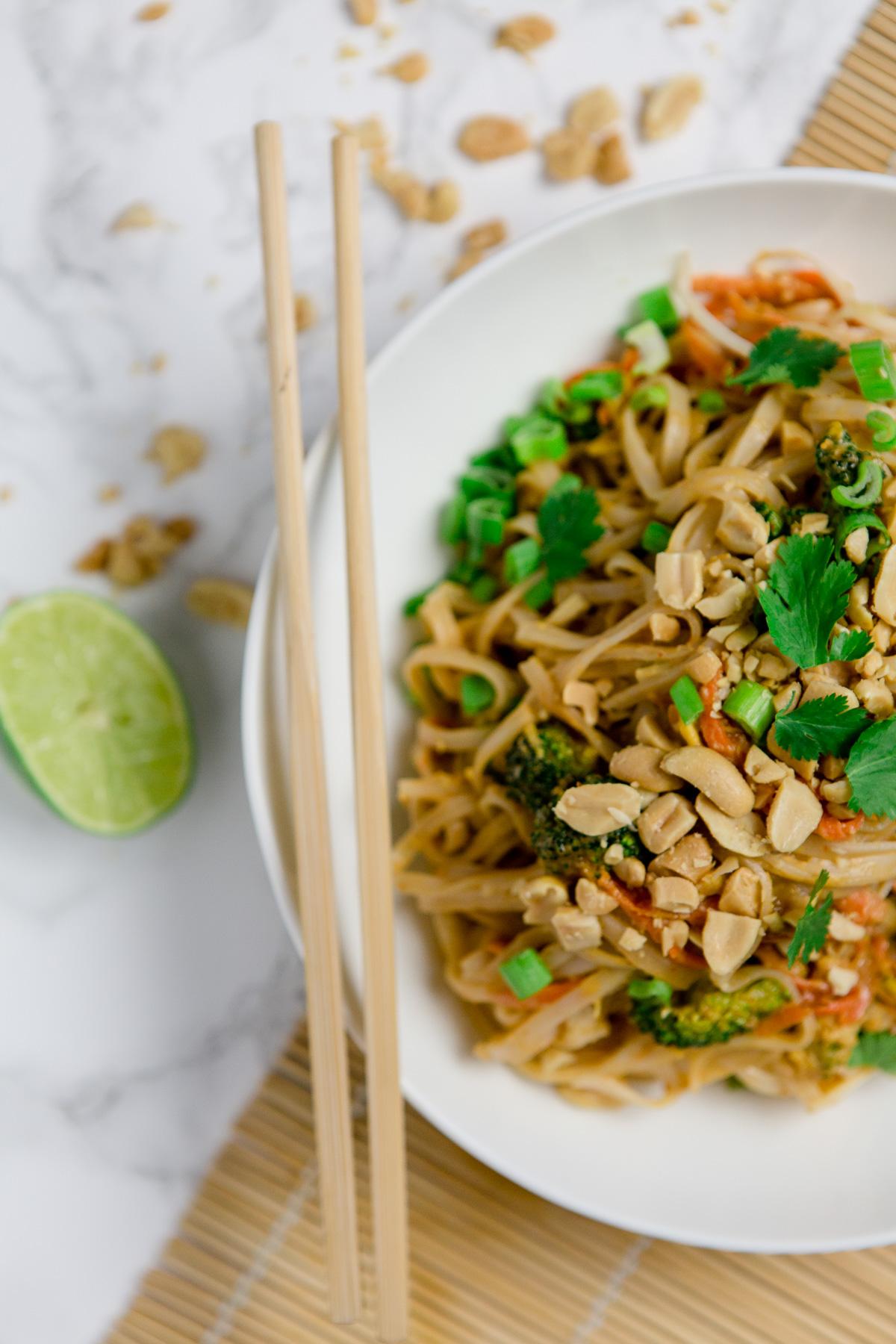 Vegetarisches Pad Thai - https://kuechenchaotin.de