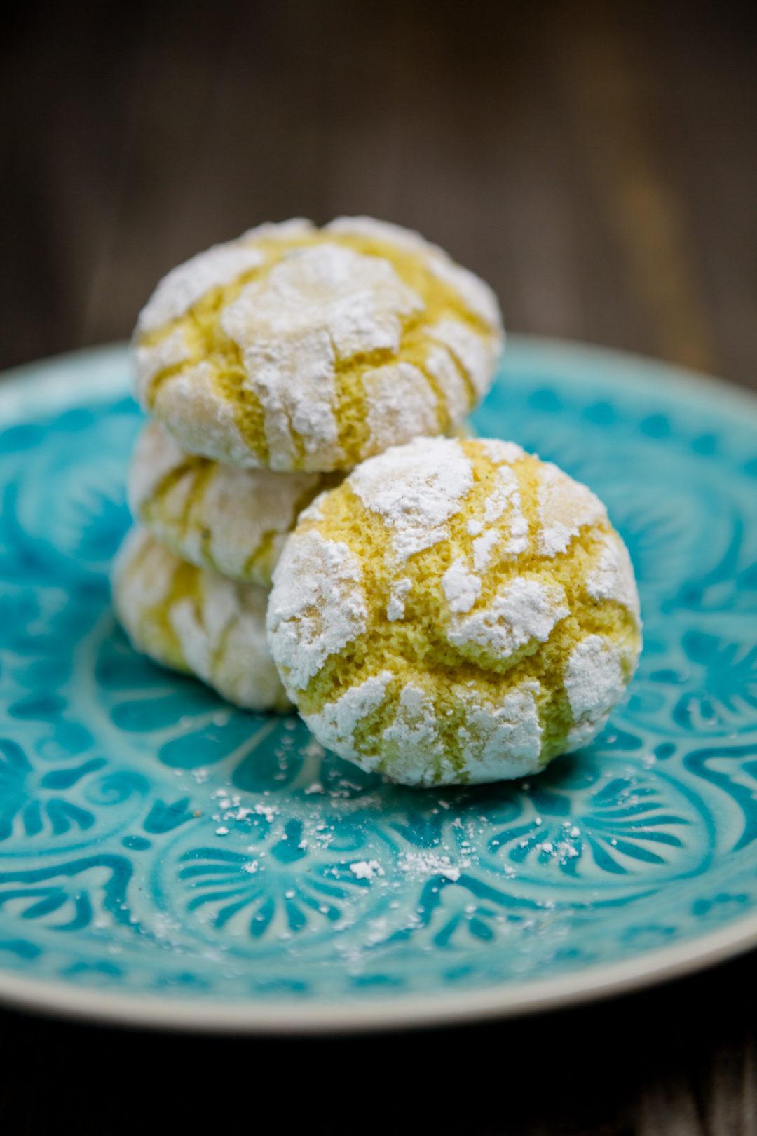 Zitronen Crinkle Cookies - https://kuechenchaotin.de
