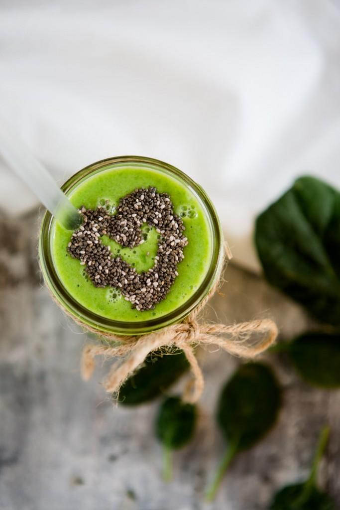 gruener-smoothie-spinat-mango-melone-2