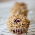 Himbeer-Buttermilch-Muffins mit Streuseln - kuechenchaotin.de