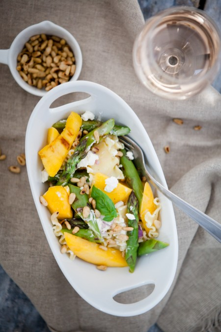lauwarmer Spargel-Mango-Salat - www.kuechenchaotin.de